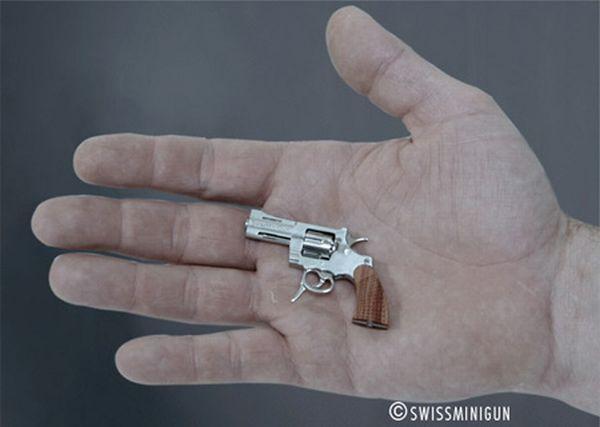 Самый маленький пистолет (7 фото)