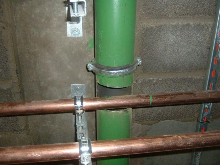 Замена труб (2 фото)