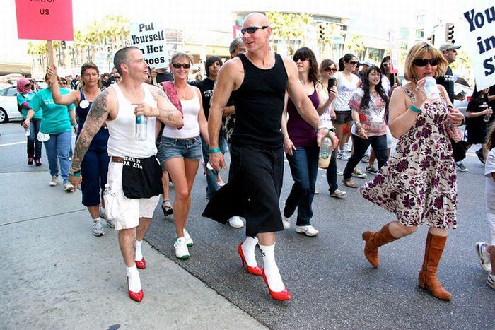 Движение феминистов (7 фото)
