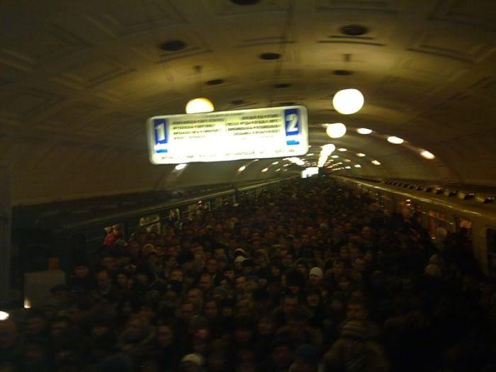 Пробка в метро (1 фото + видео)