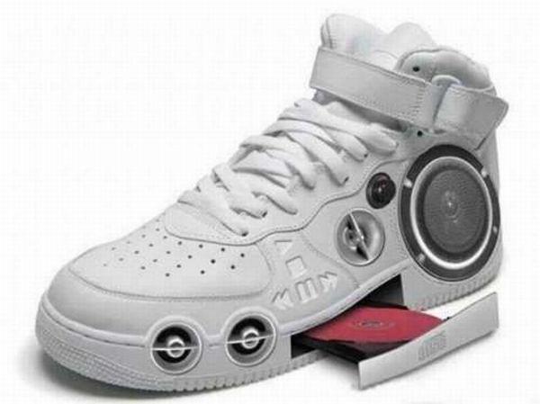 Прикольная обувь (13 фото)