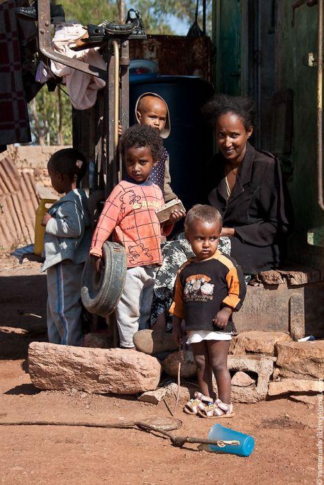 Кладбище военной техники в Эритреи (30 фото)
