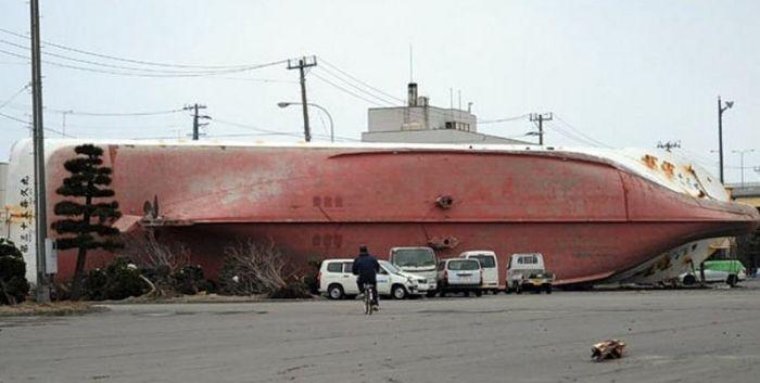 Корабли в городах (32 фото)