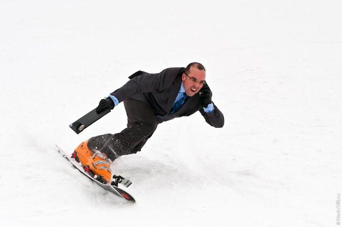 Сноуборд в офисных костюмах (46 фото)