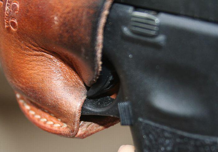 Самопроизвольный выстрел (8 фото)