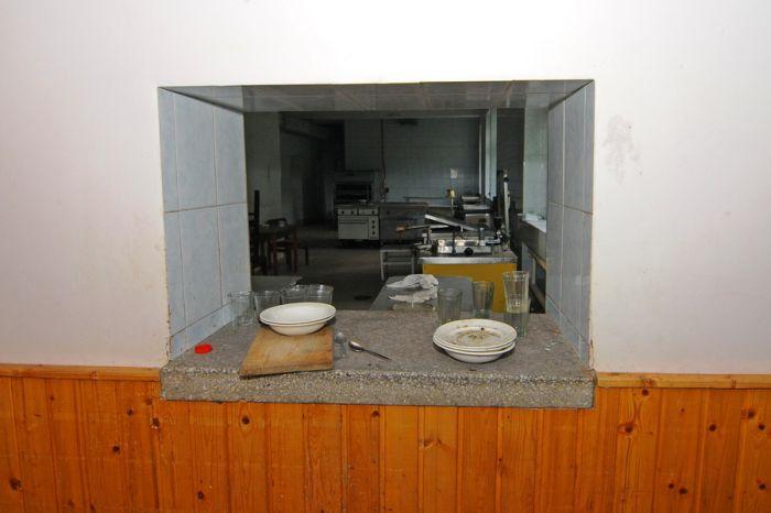 Заброшенный санаторий (35 фото)