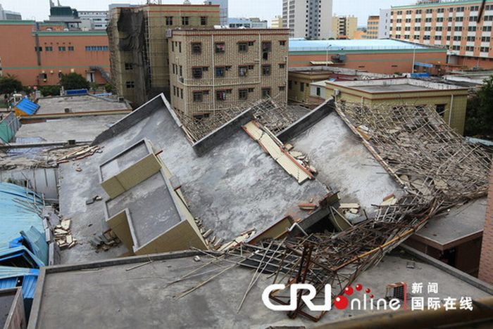 Китайские строители сэкономили на арматуре (13 фото)