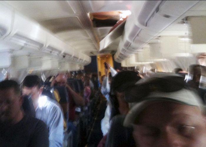 Разгерметизация Боинга 737 (7 фото)
