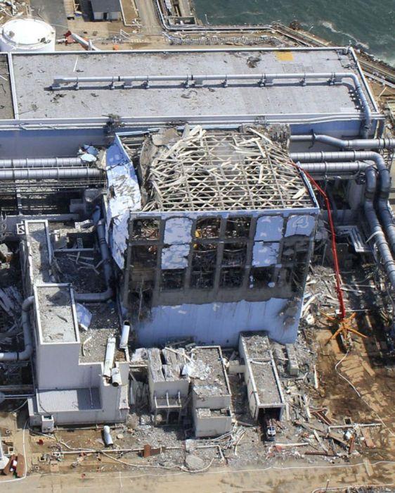 Атомная электростанция «Фукусима-1» (60 фото)