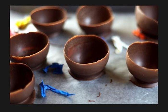 Как сделать шоколадные стаканчики для мороженого (7 фото)