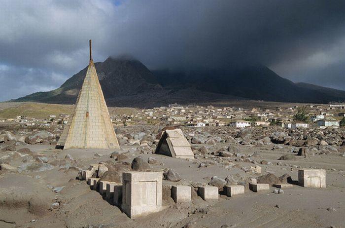 Захватывающие фотографии после извержения вулкана (40 фото)