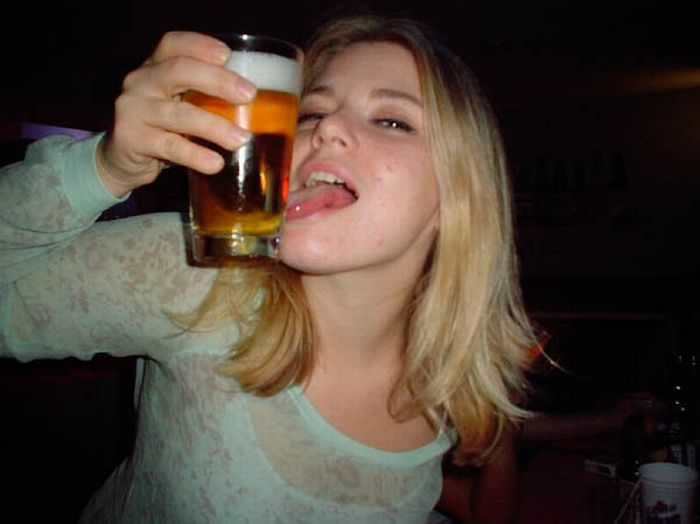 Странные способы пить пиво (46 фото)