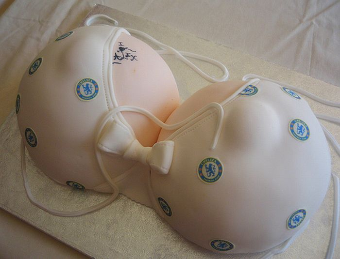 Классные тортики в виде женской груди (73 фото) НЮ!