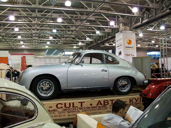 Выставка старых автомобилей (93 фото)