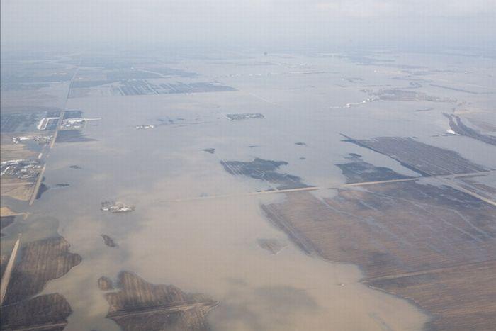 Ред Ривер затопила Северную Дакоту (50 фото)