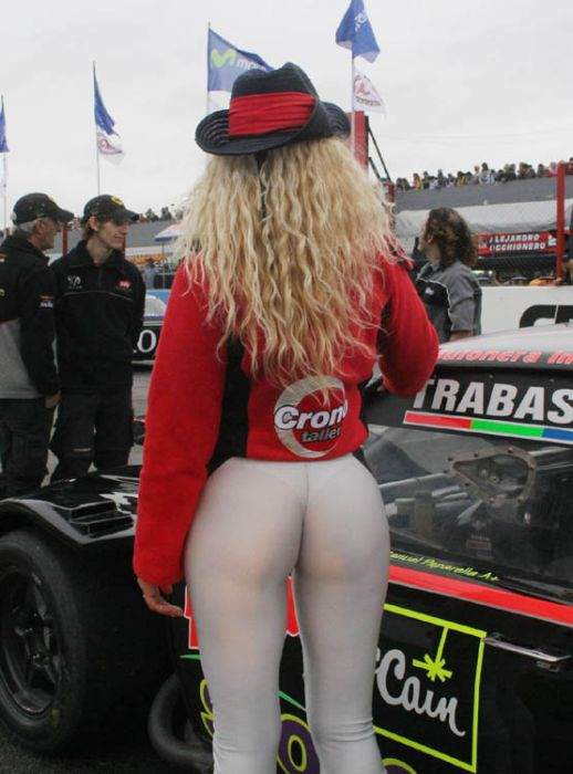 Опа  Лучшие женские попы с автомобильных мероприятий (113 фото)