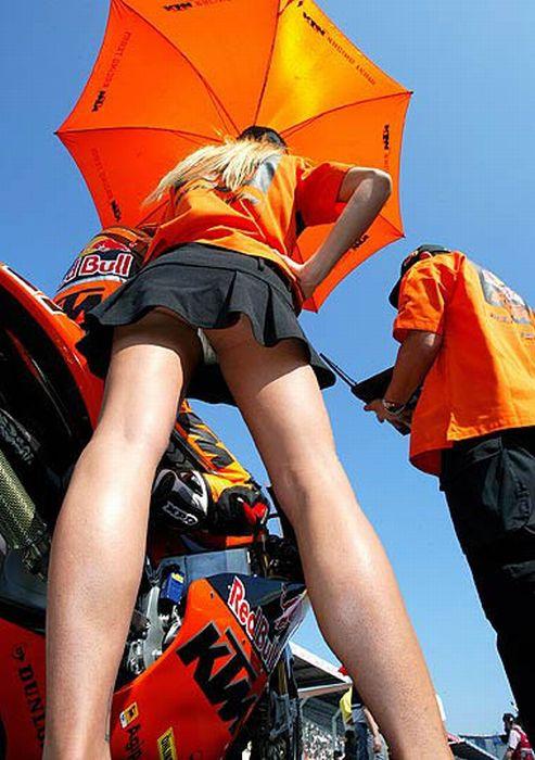 Лучшие женские попы с автомобильных мероприятий (113 фото)