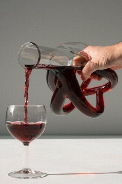 Футуристические винные графины (10 фото)