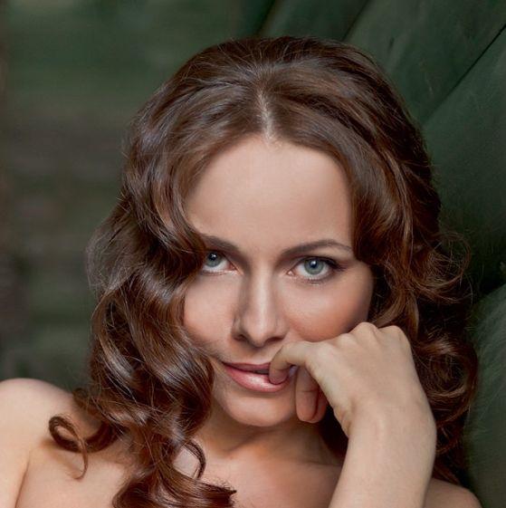 Девушки -  Екатерина Гусева снялась в журнале Maxim (8 фото) НЮ