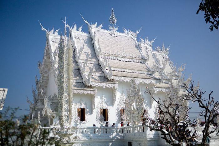 Белый храм (30 фото)