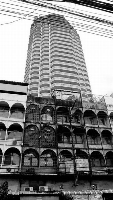 Небоскреб в Бангкоке (24 фото)