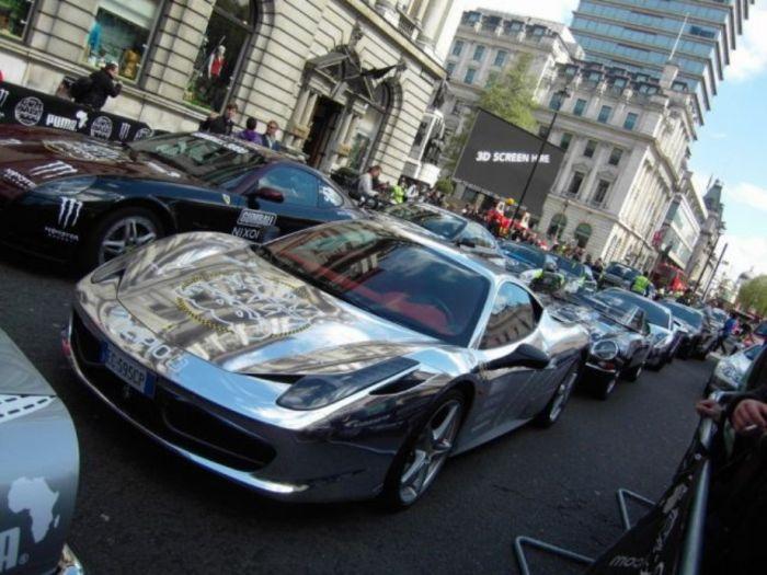 Хромированные автомобили (34 фото)
