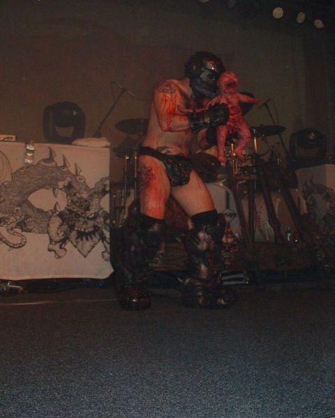 Выступление рок-группы GWAR (6 pics)