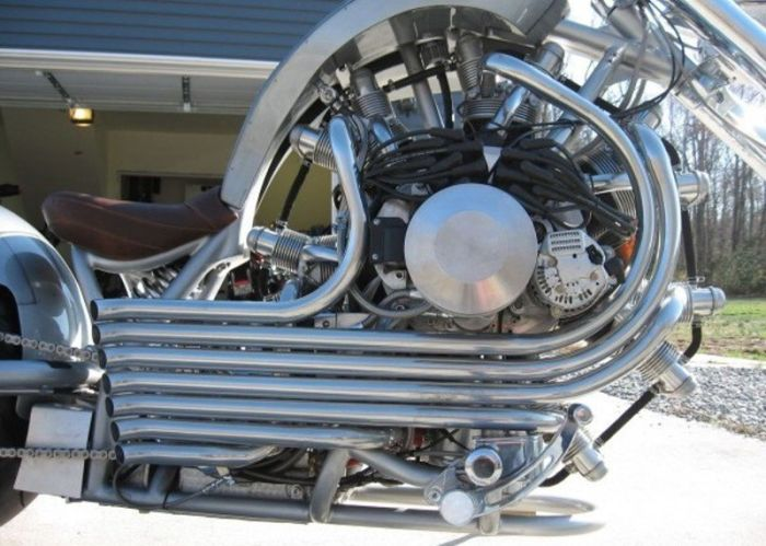 Байк с радиальным двигателем (7 фото)