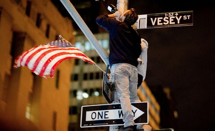 Америка празднует смерть Осамы бин Ладена (40 фото)