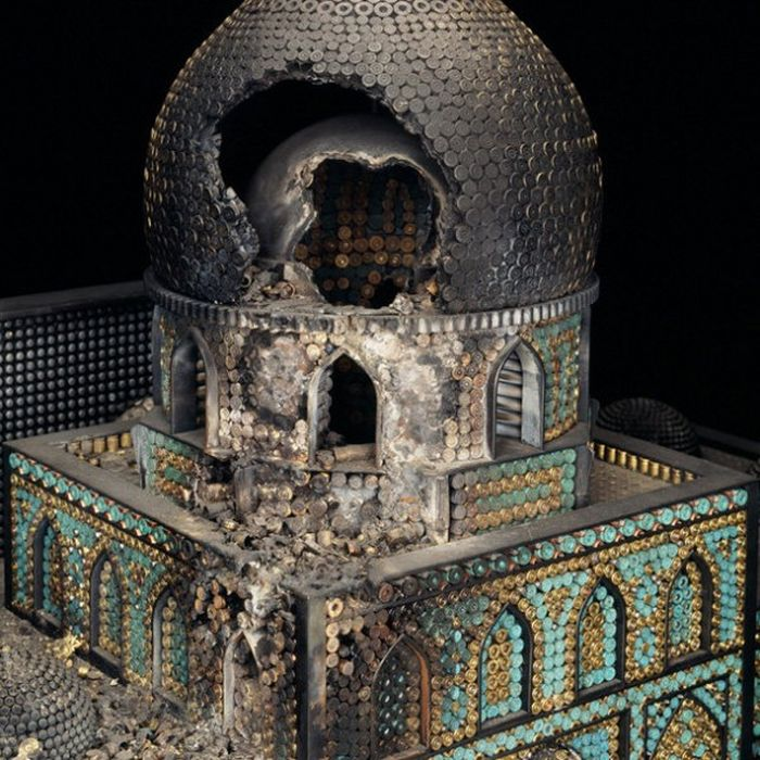 Церкви из боеприпасов (9 фото)