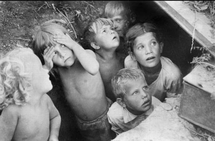 Беженцы в районе пскова июль 1941 г