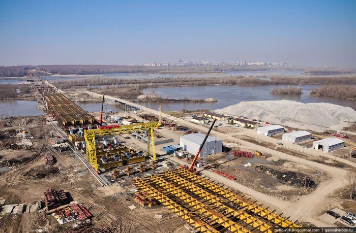 Строительство моста. С высоты птичьего полета (27 фото)