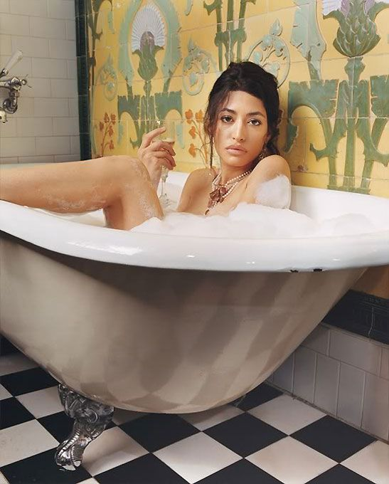 Племянница Усама бин Ладена (6 фото)