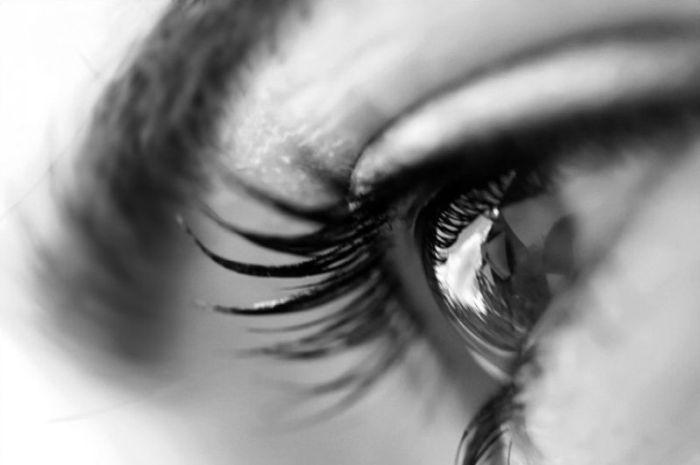 Удивительно красивые женские глазки (34 Фото)