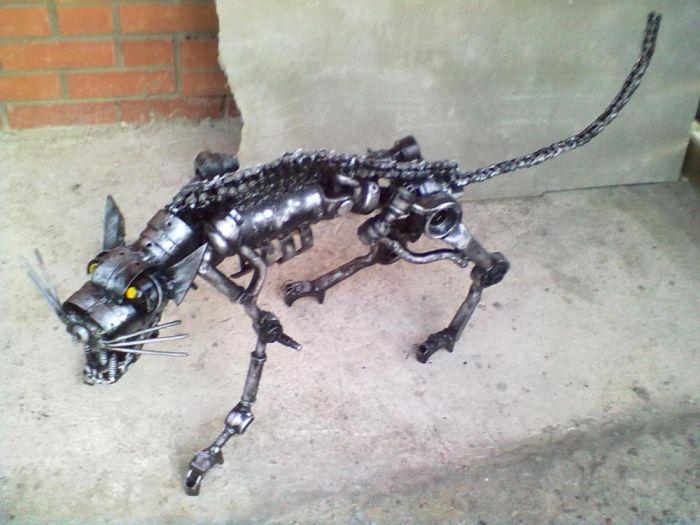 Креативный кот из металлолома (7 фото)