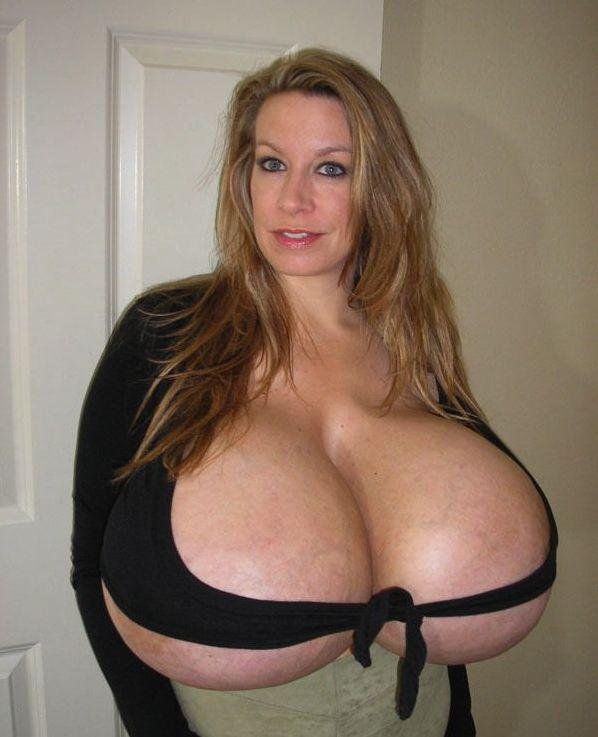Самая большая грудь в мире (14 фото)