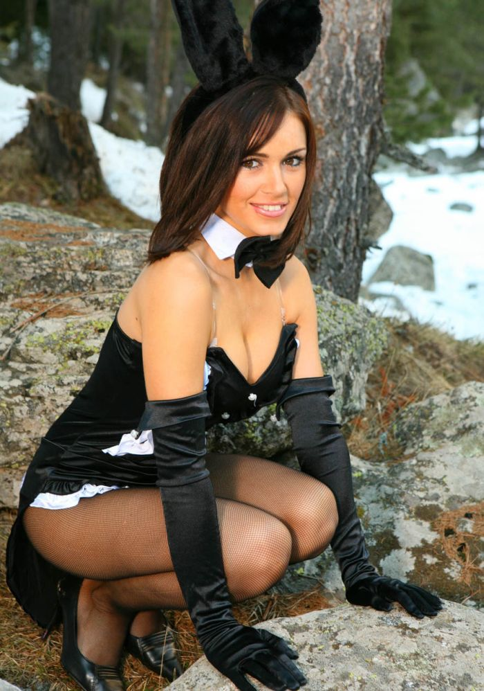 image French maid is a hot redhead