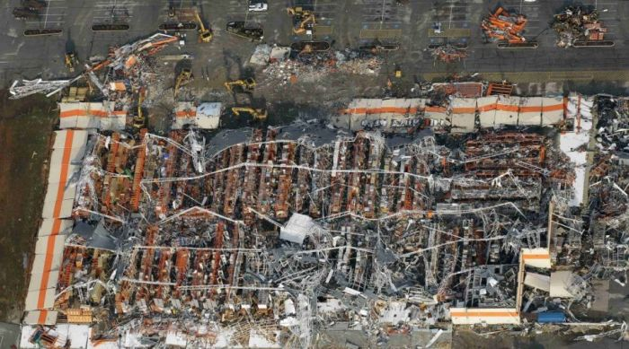 До и после смерча в Джоплине (16 фото)
