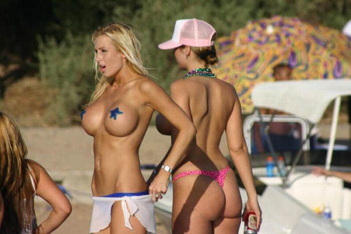 topless-havasu-caught