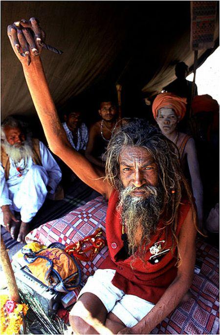 стоячие монахи индия фото