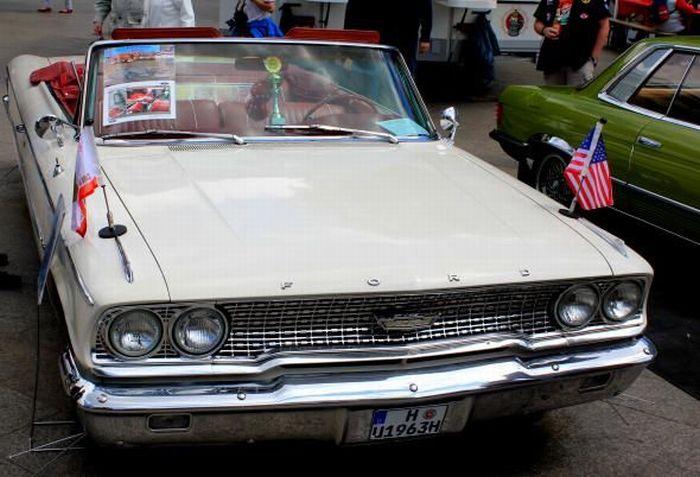 Выставка в день рождения автомобиля (90 фото)