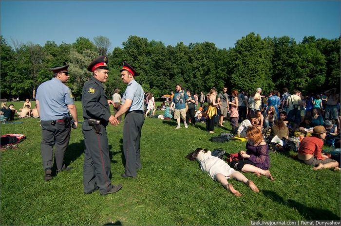 Съезд хиппи в Царицыно (39 фото)