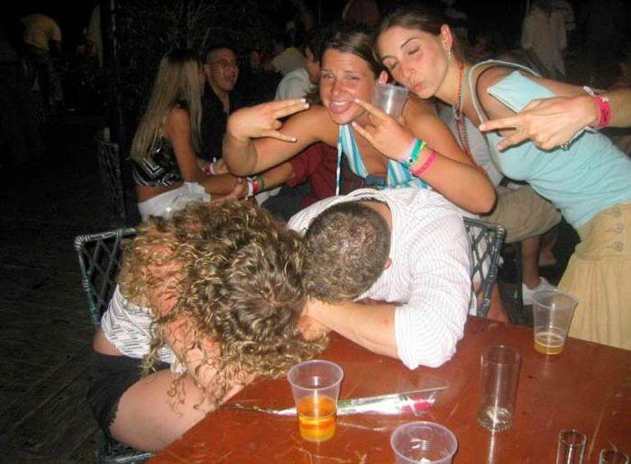 пацаны жарят пьяных телок смотреть видео сексуальных девушек