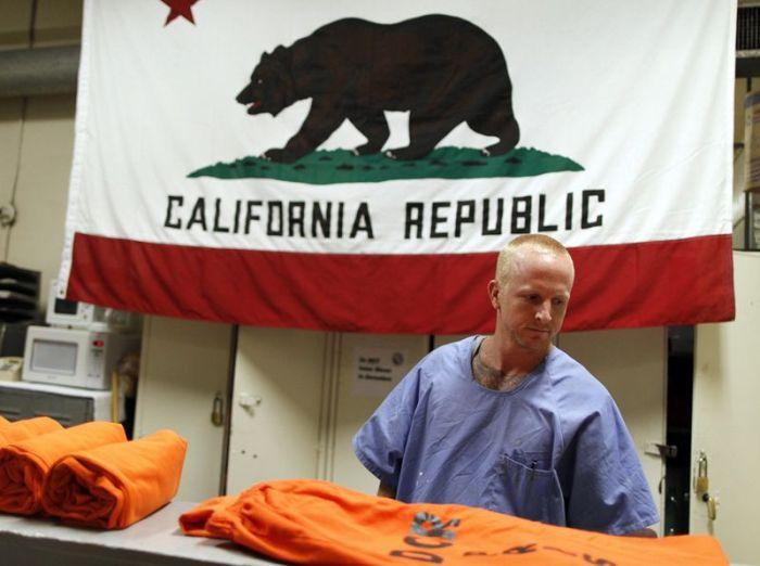 Переполненные тюрьмы Калифорнии (11 фото)