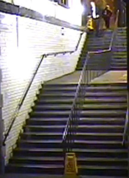 Падение с лестницы (8 фото + видео)