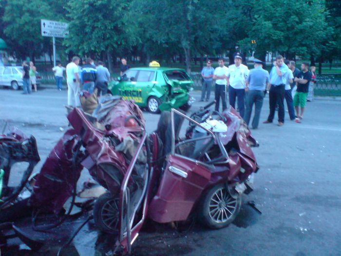 Большая авария на Садовой (8 фото)