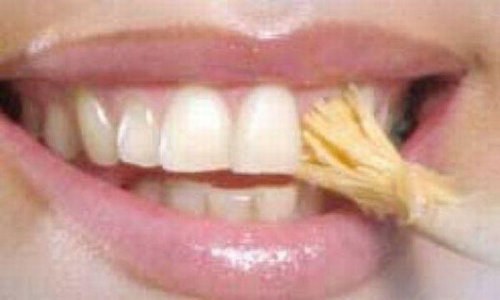 Уникальная зубная щетка (8 фото)
