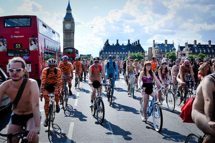 Голый заезд в Лондоне (32 фото)
