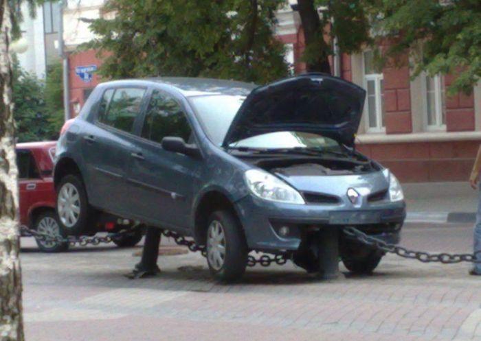 Классно припарковалась (3 фото)