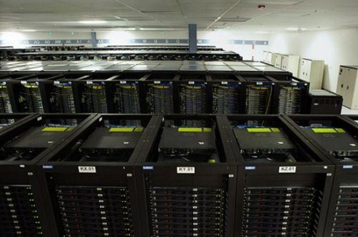 Сервера Facebook (8 фото)